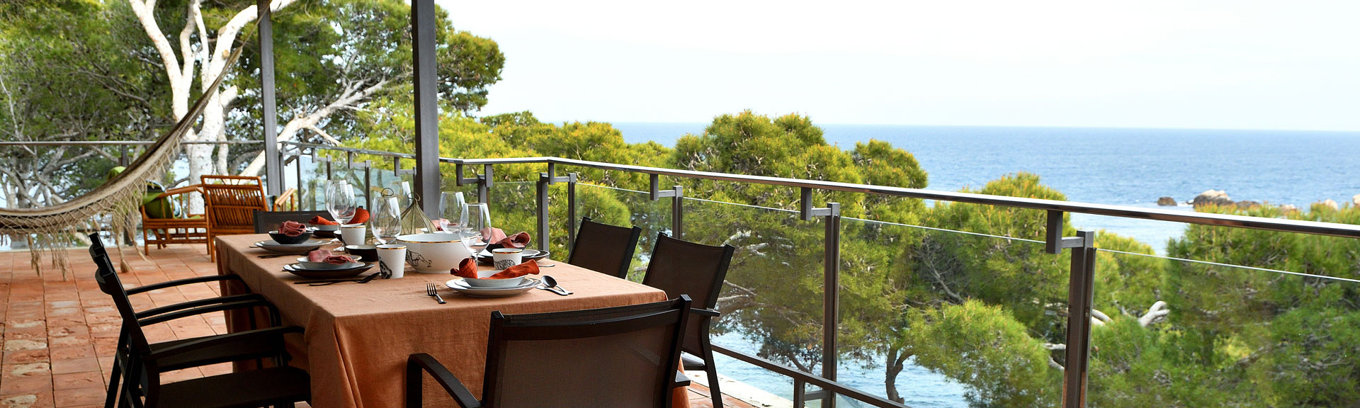 Private Villas - amazing views for lunch